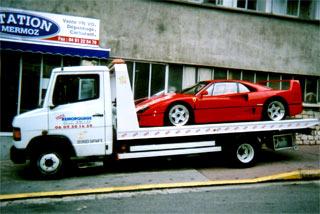 remorquage transport de Ferrari